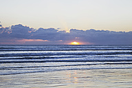 New Zealand, View of Ninety Mile Beach at sunset - GW002328