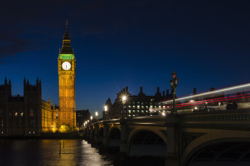 United Kingdom, London, View of House of Parliament near River Thames - EL000376