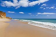 Portugal, Lagos, View of Porto de Mos beach - WDF001896