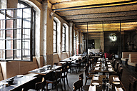 Germany, Berlin, Kreuzberg, Interior of SAGE Restaurant - MIZ000405