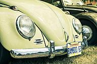 Germany, Baden Wuerttemberg, Volkswagen Beetle on classic car show - EL000420