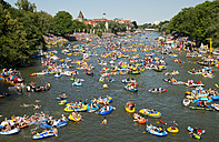 Germany, Baden-Wuerttemberg, Ulm, Danube, dinghies at the Nabada boat parade - WG000016