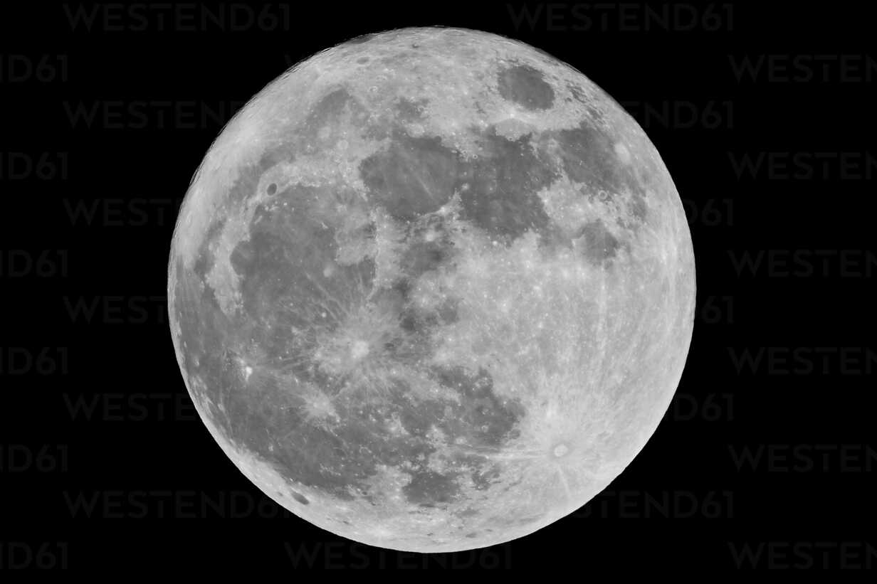 Germany, Full moon in sky - CP000025 - Christoph Prall/Westend61