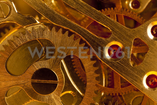 Germany, Clog wheel, close up - CPF000027 - Christoph Prall/Westend61