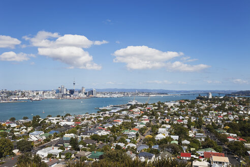 New Zealand, View of Auckland skyline - GWF002388