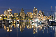 Canada, Vancouver, Marina with ships and skyline at night - FOF005234