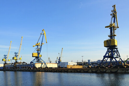 Germany, View of harbour crane for wood transportation at Wismar wood harbour - HOH000213