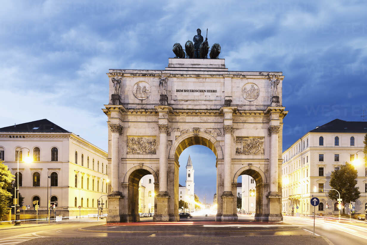 Germany, Bavaria, Munich, Victory Gate - MSF002984 - Mel Stuart/Westend61