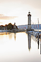 Germany, Bavaria, View of lighthouse at Lindau - MSF003005