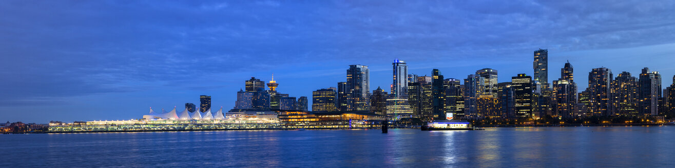 Canada, British Columbia, Vancouver, View of city skyline at night - FOF005188