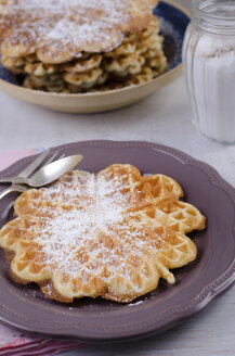 Heart-shaped waffles with icing sugar - ODF000429
