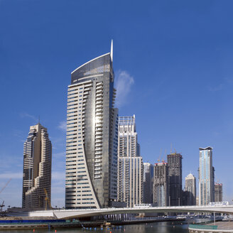 United Arab Emirates, Dubai, Dubai Marina, yacht harbour with skyscrapers - BSCF000373