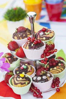 Table in garden on a birthday party - NHF001466