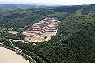 Germany, Rhineland-Palatinate, Niederheimbach, View of Sooneck Castle and quarry, aerial photo - CSF019963