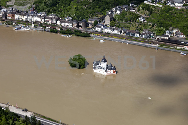 Germany, Rhineland-Palatinate, Kaub, View of Pfalzgrafenstein Castle at high water, aerial photo - CS019984