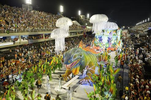 Brasil, Rio de Janeiro, Carnival float of Academicos do Grande Rio at Sambadromo - FLK000001