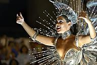 Brasil, Rio de Janeiro, Carnival, Samba dancer in costume - FLK000013
