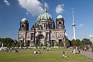 Germany, Berlin, Berliner Dom and TV Tower at Lustgarten, Fernsehturm - BFR000292