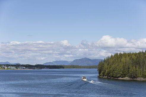 Canada, British, Columbia, Vancouver Island, Inside Passage - Port Hardy, Prince Rupert, motor yacht - FO005336