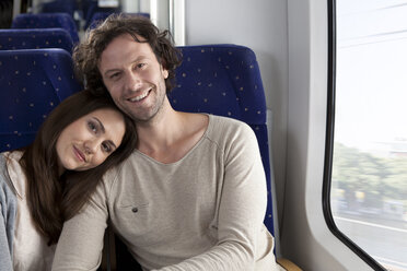 Relaxed couple in a train - KFF000238