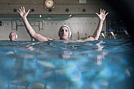 Water polo player in defending position - SEF000060