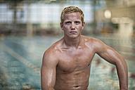 Blond swimmer outside pool - SEF000065