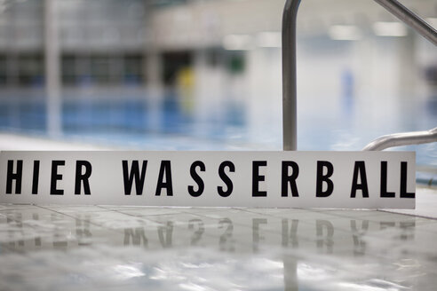 Water polo sign at indoor swimming pool - SEF000094