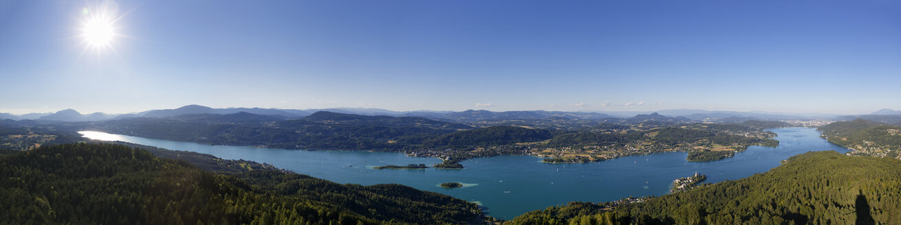 Austria, Carinthia, View form Pyramidenkogel to Woerthersee - SIE004474