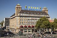 Germany, North Rhine Westphalia, Essen, view to hotel at area around the station - WI000126