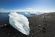 Iceland, Ice in the Jokulsarlon glacier lagoon - STSF000168