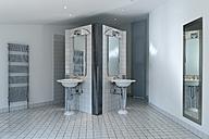 Bathroom in a modern villa - LA000197