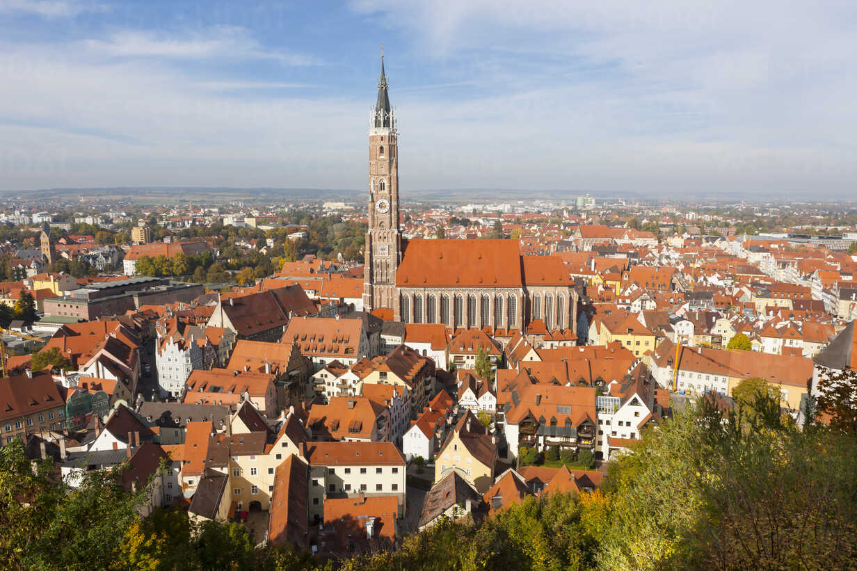 Germany, Bavaria, Landshut, Cityscape with St. Martin's Church - AM000984 - Martin Moxter/Westend61