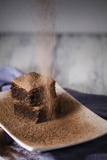 Brownies on plate - SBDF000292