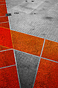 Geometrical pattern on pavement - TLF000717
