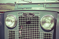 Germany, Baden-Wuerttemberg, detail of an old Landrover - EL000583