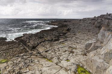Irland, County Clare, Coastal landscape near Doolin - SRF000358