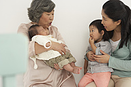 Asian senior woman with daughter and two granddaughters - FSF000072