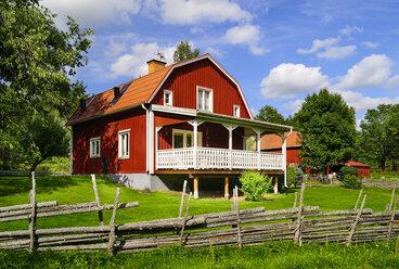 Sweden, Smaland, Kalmar laen, Vimmerby, Prastsjon, residential house - BT000038