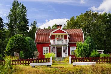 Sweden, Smaland, Kalmar laen, Vimmerby, Blagdesjon, residential house - BT000045