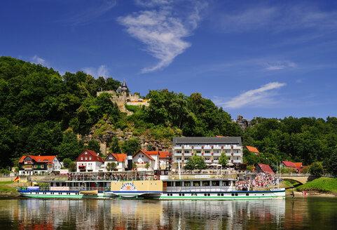 Germany, Saxony, Rathen, Paddlesteamer and Castle Altrathen at River Elbe - BT000170