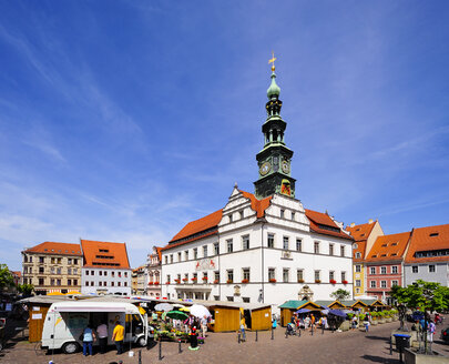 Germany, Saxony, Pirna, Market square with town hall - BT000130