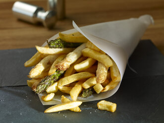Deep-fried green and white asparagus with French fries - SRSF000333