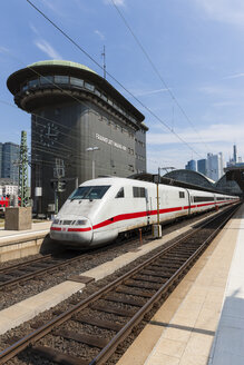 Germany, Hesse, Frankfurt, ICE departing main station - AM001091