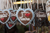 Germany, Munich, German gingerbread hearts at Viktualienmarkt - SBDF000342