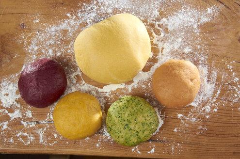Colorful pasta dough - SRSF000390