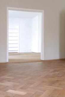 Germany, Wooden floor in empty flat - TKF000160