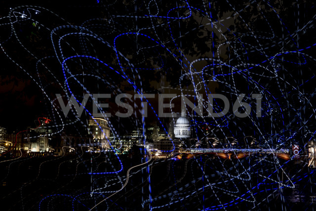 UK, London, view to illuminated St Pauls Cathedral at night - DIS000195