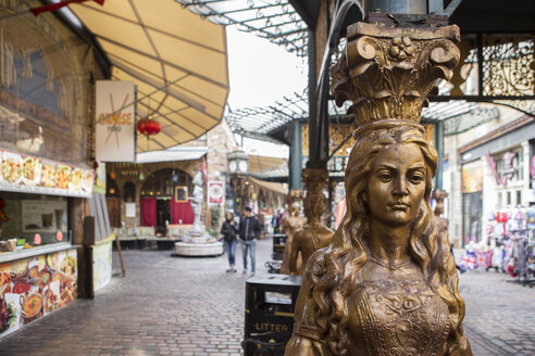 UK, London, Camden Market, view to Stables Market - DIS000150