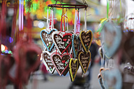 Germany, North Rhine-Westphalia, Cologne, gingerbread hearts - JAT000446