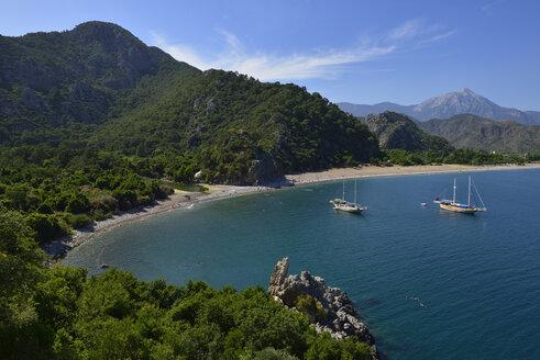 Turkey, Antalya Province, Lycia, view over Olympos and Cirali beach, Olympos Beydaglari National Park, Taurus Mountains - ES000760